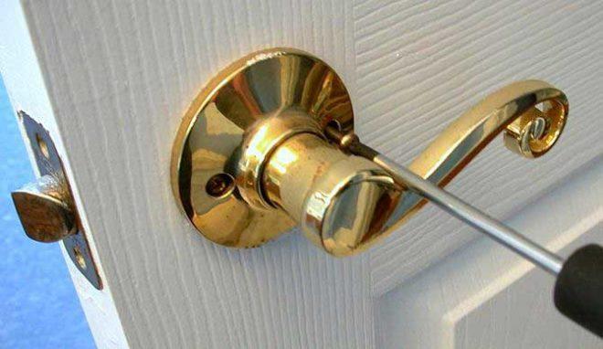 Установка дверных ручек своими руками -